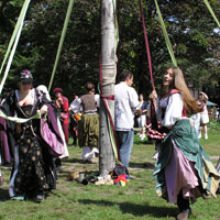Tanz um den Baum